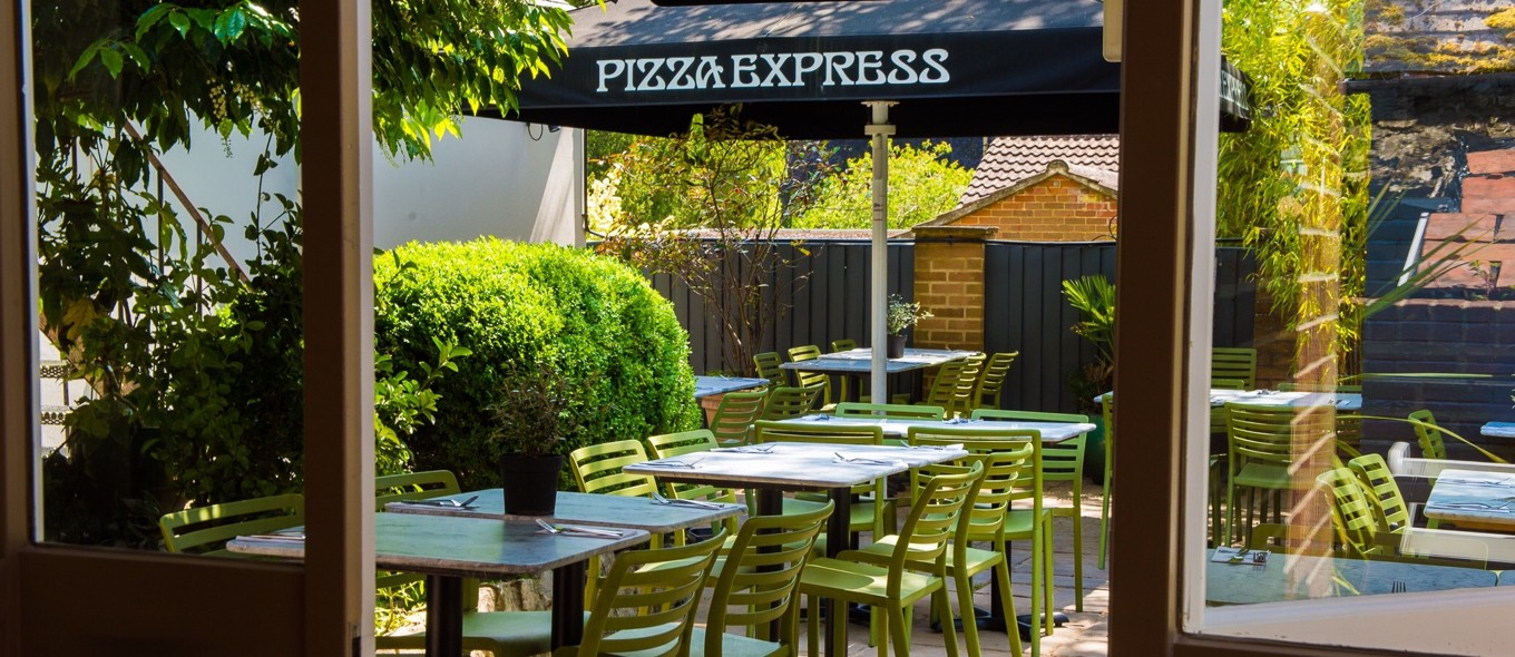 Did you know that many of our restaurants have outside dining areas so now you can enjoy your favourite dishes without missing out on the sunshine